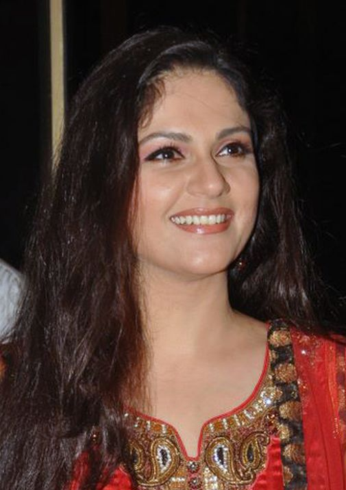 Gracy_Singh_at_Lagaan_10_Year_Celebration_at_Taj_Lands_End_in_Mumbai_(cropped).jpg