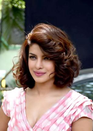 Priyanka_Chopra_at_Dil_Dhadakne_Do_promotions.jpg